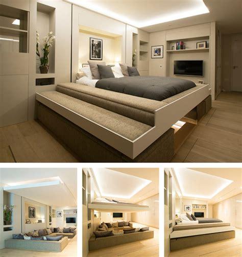 letti a soffitto un letto invisibile scende dal soffitto e trasforma il