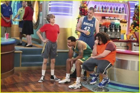 the suite life on deck cole sprouse photos 6558 buddytv zack and cody suite life on deck hot girls wallpaper