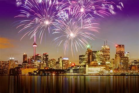 toronto new years fireworks partying new years 2018 in toronto