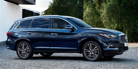 2016 infiniti qx60 hauling 2016 infiniti qx60 vehicles on display chicago