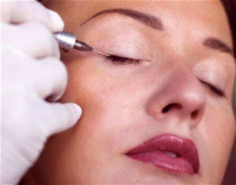 tattoo eyeliner risks tattoo scabs flaking off permanent eyeliner tattoo risks