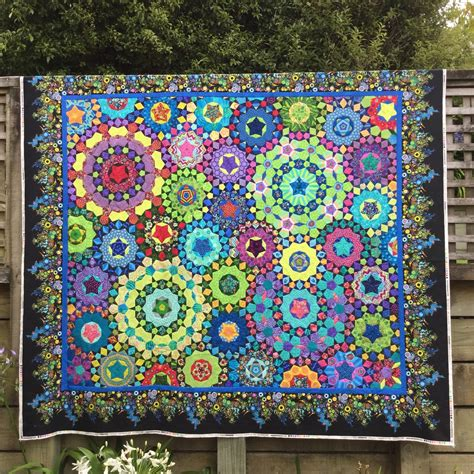 Quilts Quilts And More Quilts by Wendy S Quilts And More La Passacaglia Has Borders Now