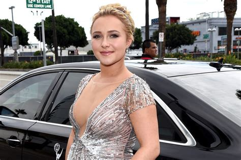 hayden panettiere pictures videos breaking news pregnant hayden panettiere reveals she s having a girl