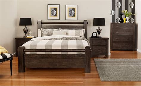 solid wood modern bedroom furniture advantages disadvantages of solid wood furniture