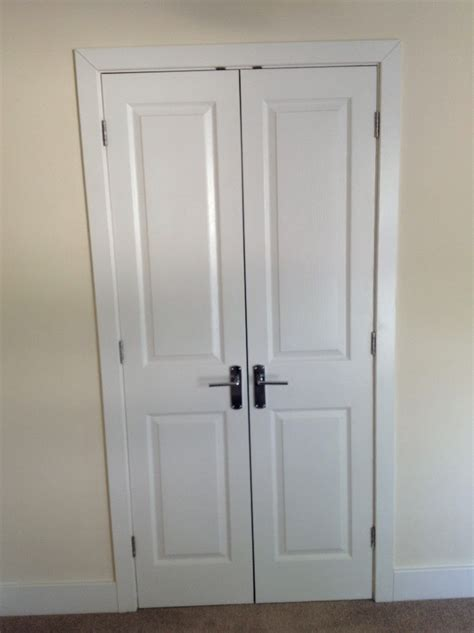 Retractable Closet Door Folding Closet Door Sizes Home Design Ideas
