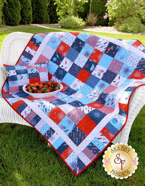 parade on main quilt kit
