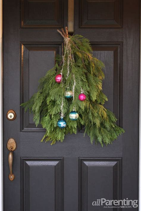 diy holiday door swag