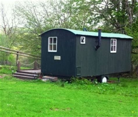 Brecon Beacons Log Cabins by Shephers Hut Brecon Beacons Bunkhouse South Wales Clyngwyn Bunkhouse Providing Log Cabin