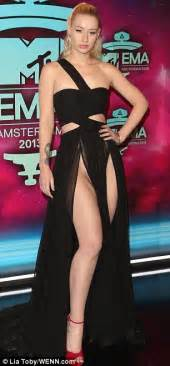 Serious Wardrobe by News Rapper Iggy Azalea Has A Serious Wardrobe Exposing Herself At The 2013 Mtv