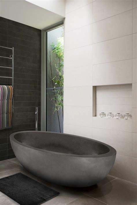 schwarz weiß fliesen badezimmerboden ideen badewannen idee