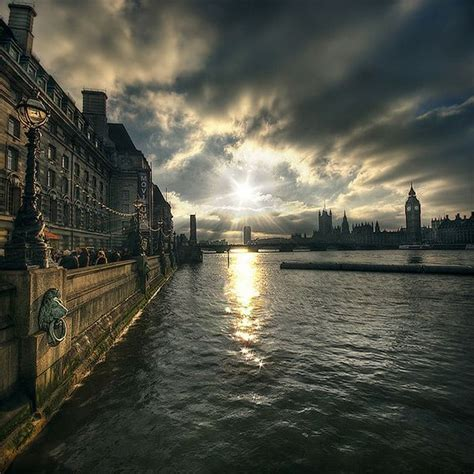 thames river london the thames river in london travel pinterest