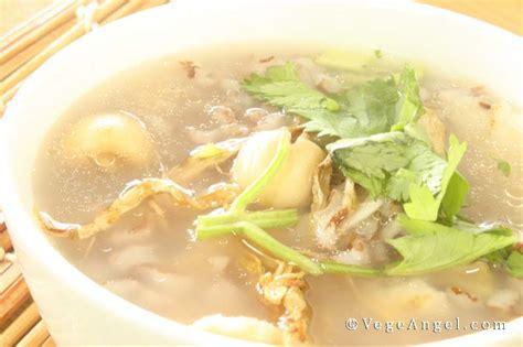 Unpolised Rice With Lotus Seed vegetarian recipe rice and lotus seed porridge vege