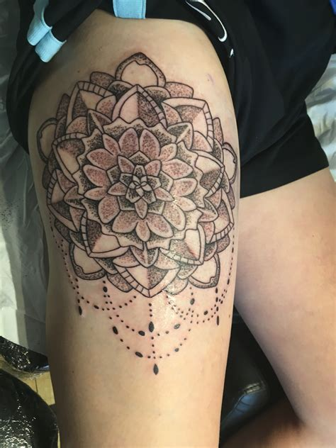 thigh piece tattoos mandala thigh tattoos