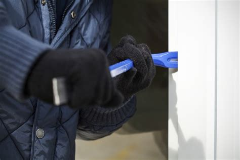 ladri appartamento come evitare i furti in casa tanti consigli utili non