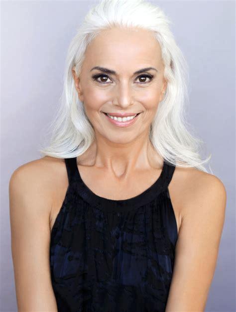 atractive 60 yr old female model yazemeenah rossi 60 reveals secret behind toned