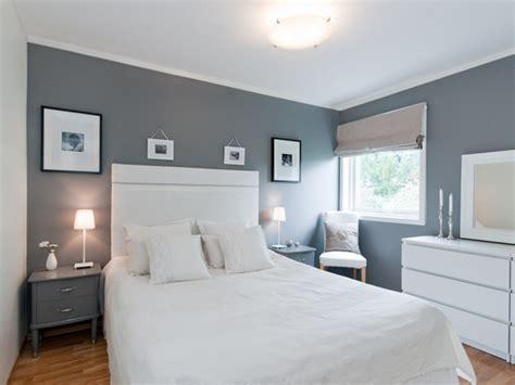 gray walls bedroom ideas des coussins sur le lit pour une d 233 coration r 233 ussie