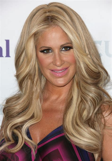 atlanta hoisewives wigs kim zolciak biermann shares bathing suit photo on