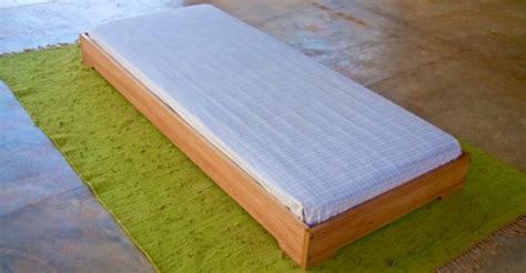 letto montessoriano 101 e pi 249 lettini montessoriani montessori da 0 a 3 anni