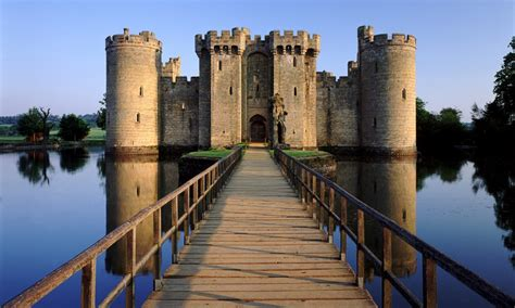 most beautiful english castles top 5 most beautiful castles in britain royal central
