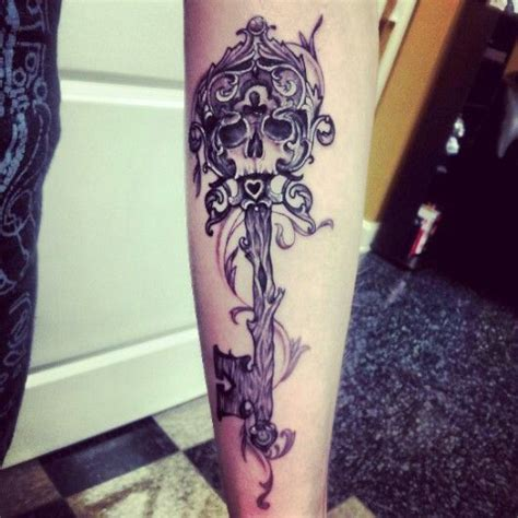 skeleton key tattoo best 25 skeleton key tattoos ideas on