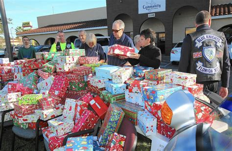 osceola center gathers presents for homeless children