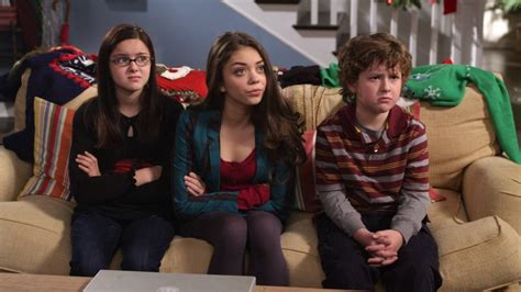10 fun and modern kids modern family how much does the cast really make