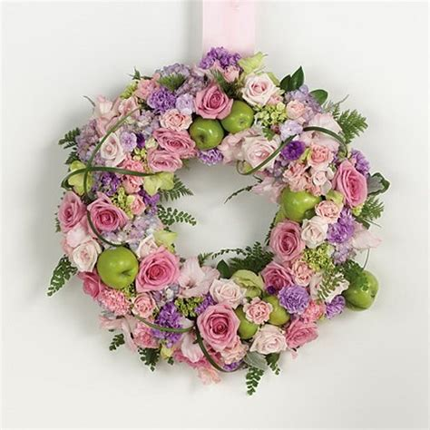 hoods haircutgame fresh flower wedding wreath fresh flower wreath 2