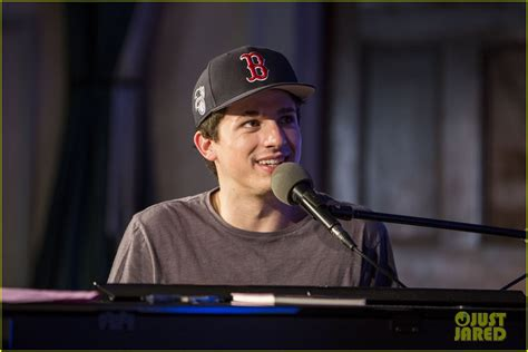 charlie puth boston charlie puth surprises boston students with new piano