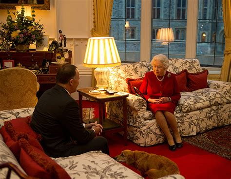 Luxury Homes Decorated For Christmas by Inside The Queen S Sitting Room In Windsor Castle