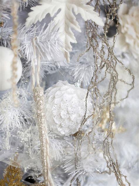 10 white christmas tree white tree decorating ideas hgtv