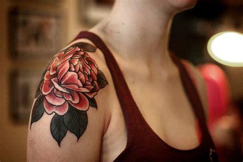 rose garden tattoo best 25 flower shoulder ideas on