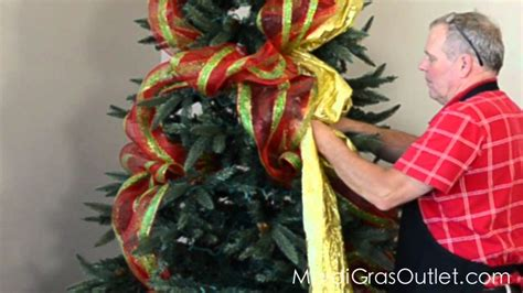 how to decorate a christmas tree with deco poly mesh