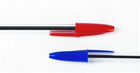bic della ecco a cosa serve il foro sul tappo della penna bic supereva