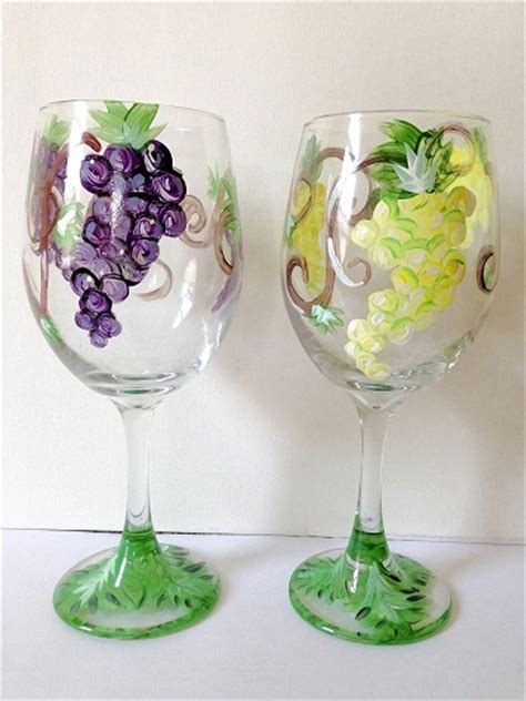 paint nite wine glasses paint nite grape vine wine glasses