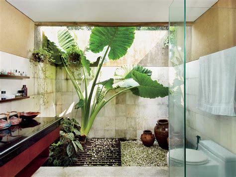 contoh desain kamar mandi lantai batu alam renovasi rumahnet
