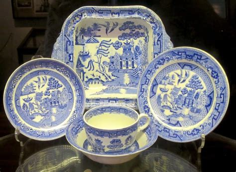 willow pattern meaning 11 surprising facts about blue willow china