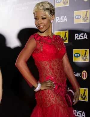 kelly khumalo s recent hairstyle tilo interviews diva kelly khumalo a re di fefere le