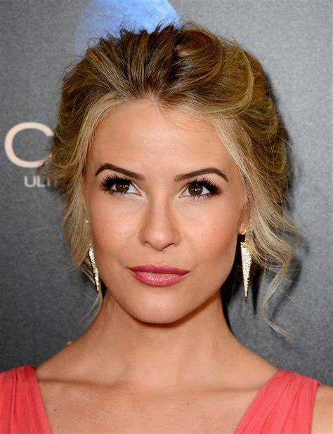 linsey godfrey haircut best hair beauty at the daytime emmy awards vote for