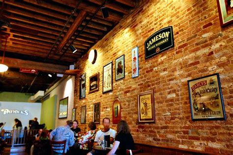 Irish Pub Decoration Ideas For The Bar Owners In America