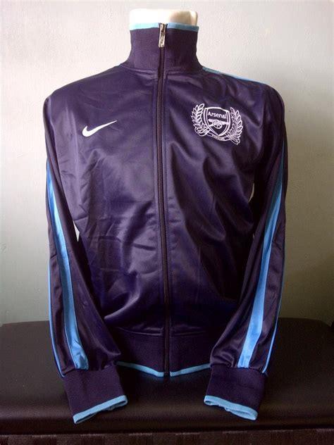 Jaket Inter Milan Bahan Tebal Hangat Navy Ukuran Size S M L Xl toko olahraga hawaii sports jaket nike n98 arsenal navy 2011 2012