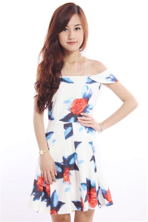 Gs Dress Offshoulder Black Floral floral shoulder skater dress