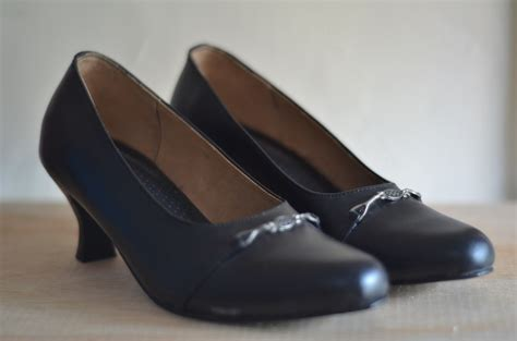 sepatu kerja wanita warna hitam toko baju dansa