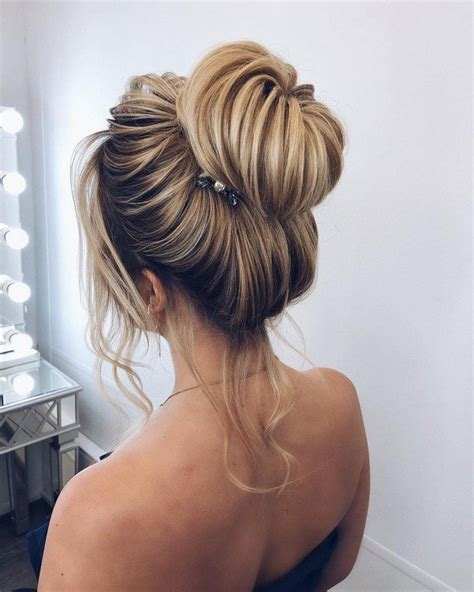 bridal hairstyles simple and elegant 12 best wedding hairstyles from elstile oh best day ever