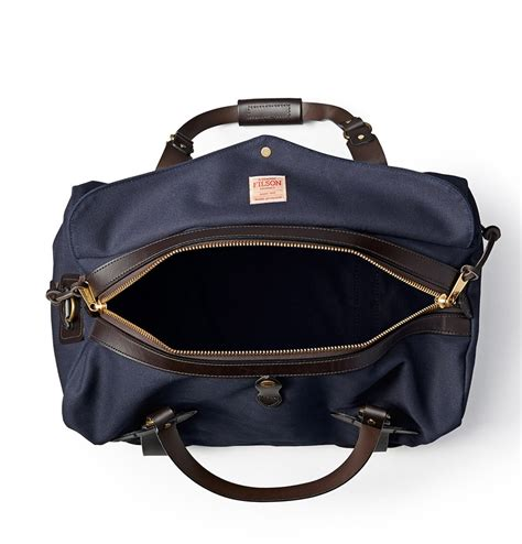filson duffle medium  navy perfect travelbag