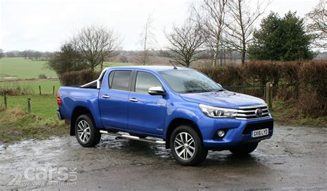 Hilux Toyota Toyota Hilux Invincible D C Review 2017 Cars Uk