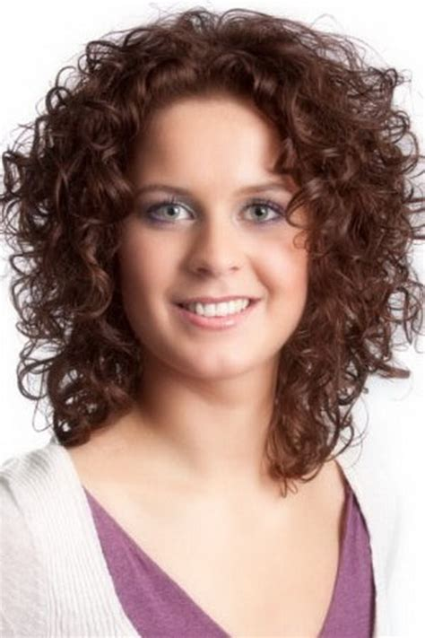 short haircuts for curly hair with rectangle shaped face curly hairstyles for oval faces