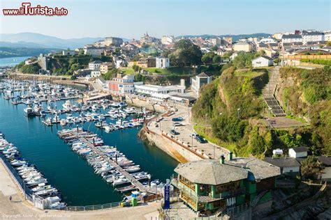 porto della spagna il porto di ribadeo in galizia costa nord della