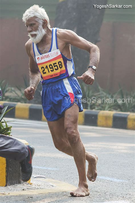 running without running shoes airtel delhi half marathon 2013 yogeshsarkar