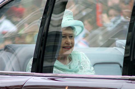 queen elizabeth 2 the queen at 90 what s her secret