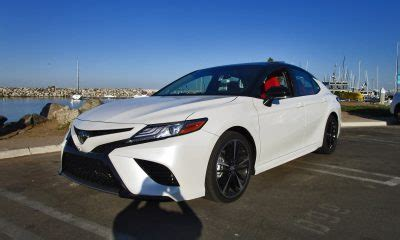 2018 toyota camry xse v6 road test review by ben lewis